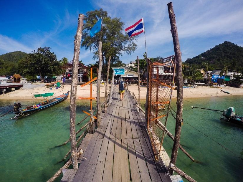 koh tao ferry harbour thailand