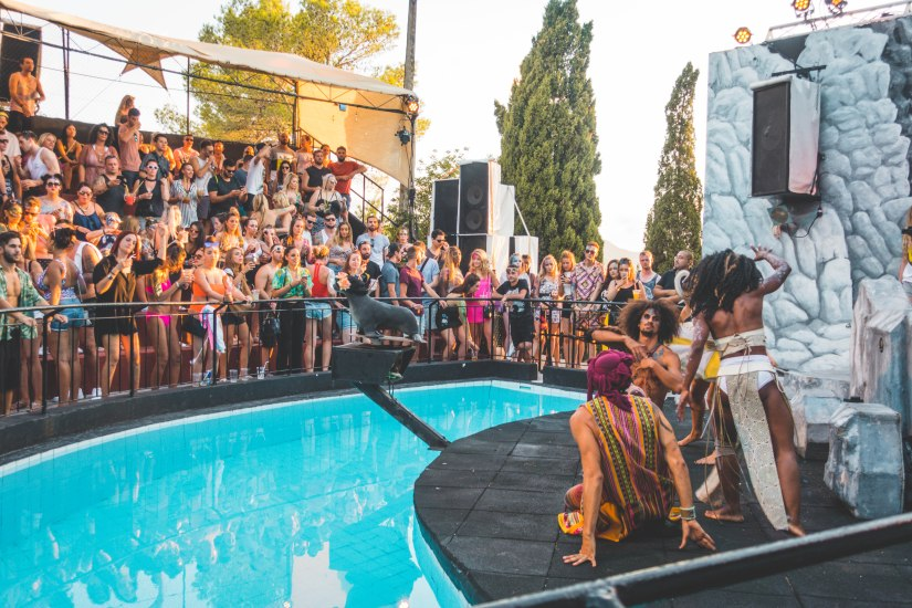 The Zoo Project, Spain, Ibiza, Performance, Character Show, Amphitheatre