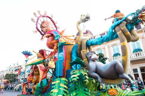 Disneyland, The Parade, Paris, Floats, Characters, Dancing,