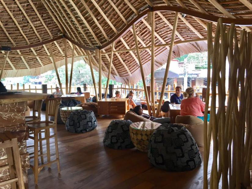 Ella, Sri Lanka, Chill bar, Restaurant