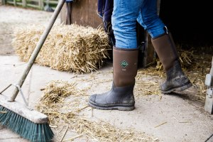 Salt and Coconuts, The Original Muck Boot Company, Photoshoot, The Cotswolds, Chore range