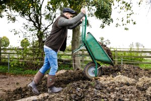 Salt and Coconuts, The Original Muck Boot Company, Photoshoot, Thew Cotswolds, Broadway, Mucking Out, Stables,