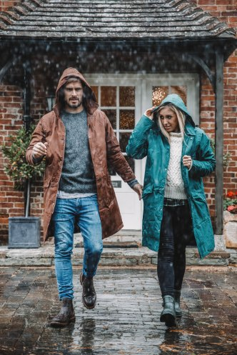 salt and coconuts, The Original Muck Boot Company, Photoshoot, Broadway, The Cotswolds, Rainy, Winter, Rain Macs, Chelsea Boots, couple goals, Brighton Couple