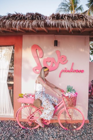Salt and coconuts, hotel, recommend, pink, bike, beach, sea, Bali, Gili islands, Sarah Lias